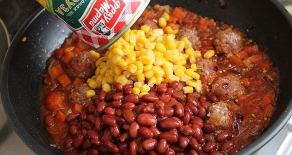 Рагу по-мексикански с фасолью за 5 минут